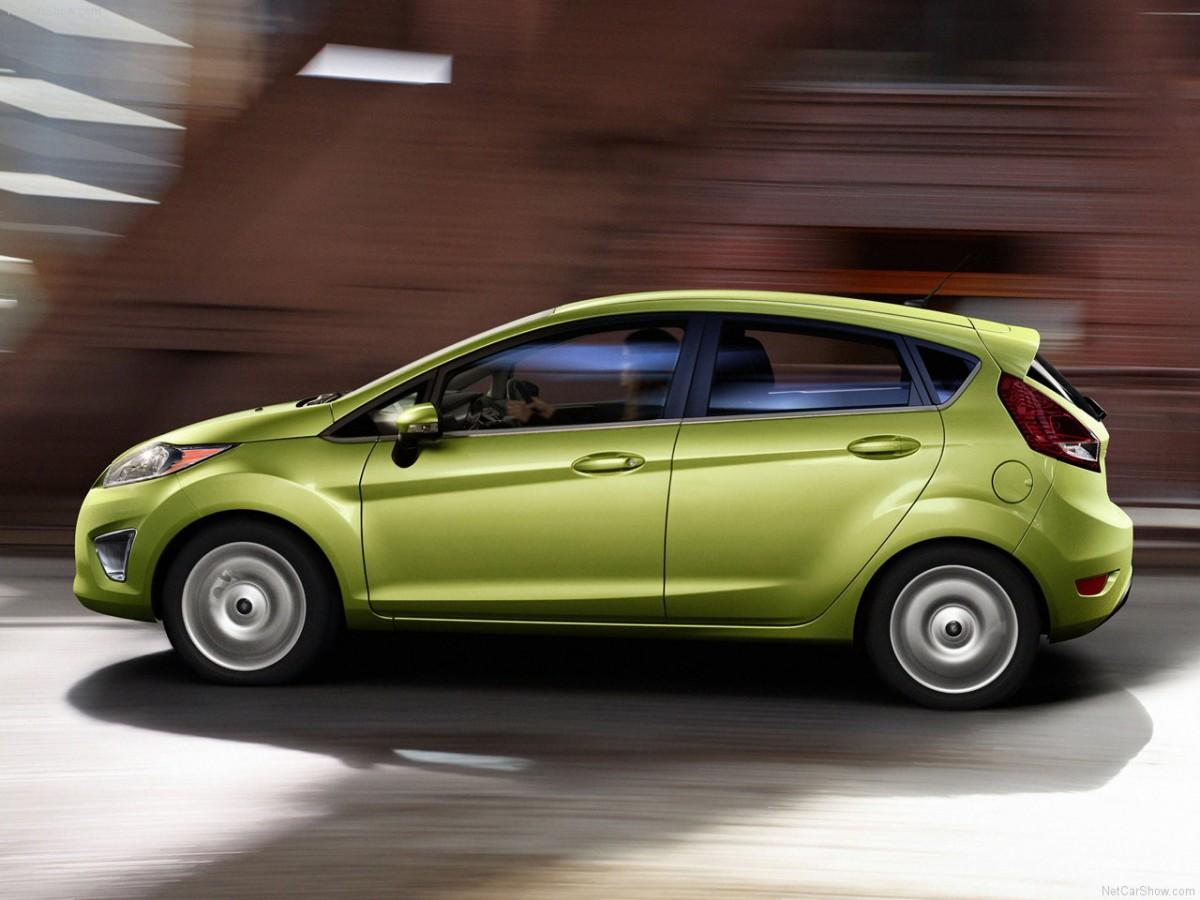 Ford-Fiesta_2011_1280x960_wallpaper_04