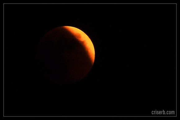 eclipsa-totala-de-luna2