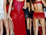 victorias-secret-angels-backstage-22