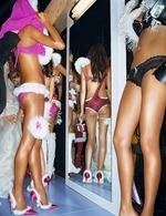 victorias-secret-angels-backstage-23