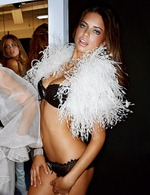 victorias-secret-angels-backstage-31