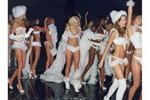 victorias-secret-angels-backstage-32