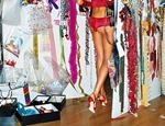victorias-secret-angels-backstage-34