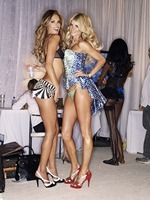 victorias-secret-angels-backstage-45