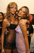 victorias-secret-angels-backstage-5