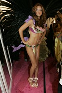 victorias-secret-angels-backstage-8