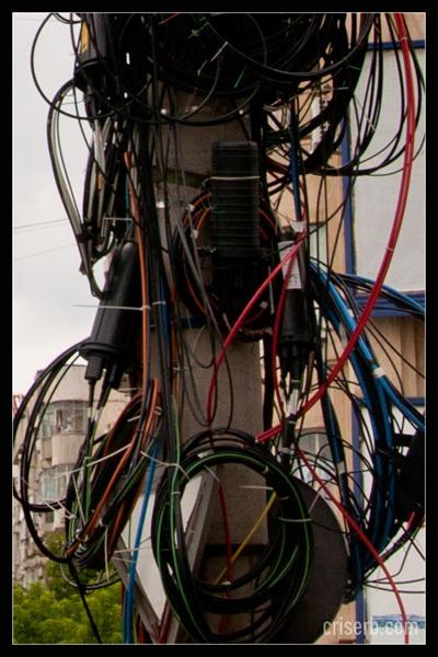 cablurile-de-pe-stalpi4