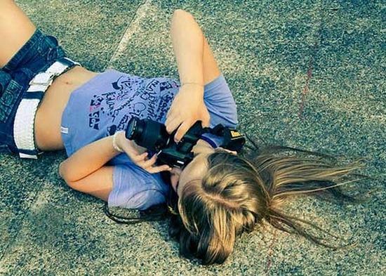 girls-with-camera-25