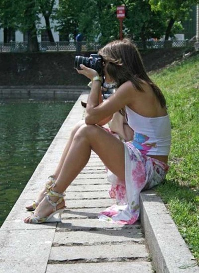girls-with-camera-28