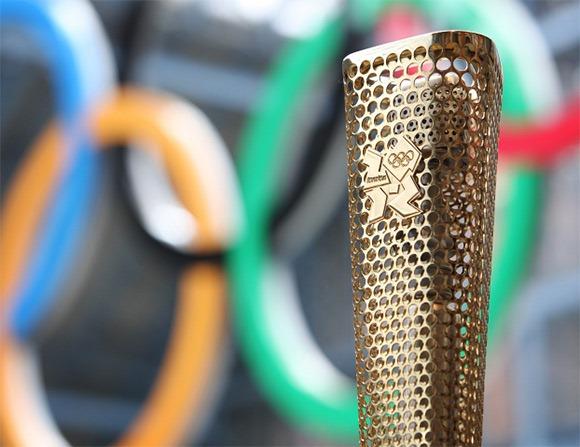 London-2012-Olympics-torch-3