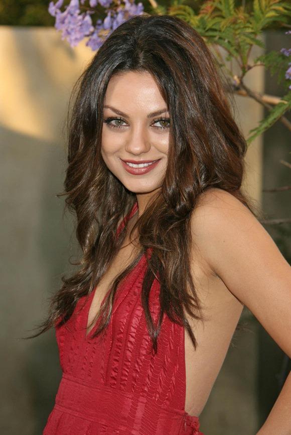 Mila-Kunis-red-halter-dress