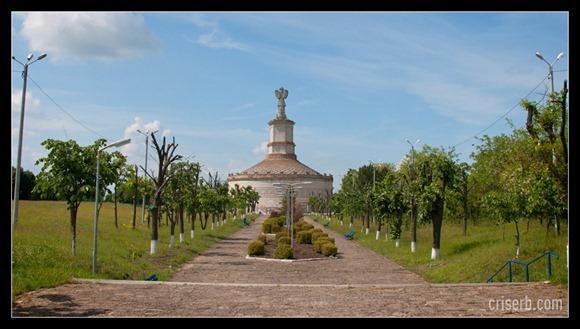 monumentul-de-la-adamclisi