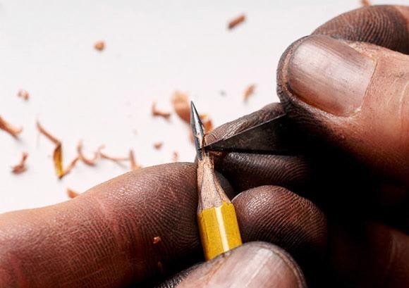 Pencil-Tip-Micro-Sculptures-By-Dalton-Ghetti_1